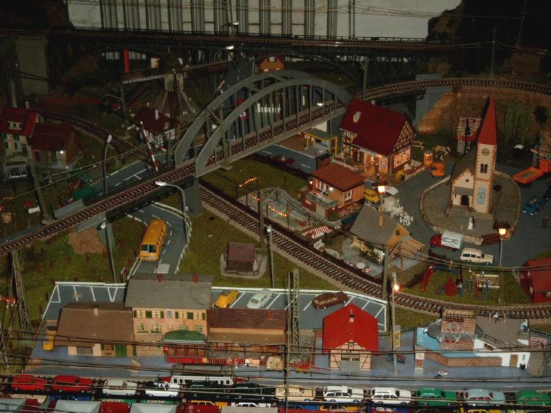 my railway2 ansicht alter teil meiner h0 modelleisenbahn bei nacht. Black Bedroom Furniture Sets. Home Design Ideas